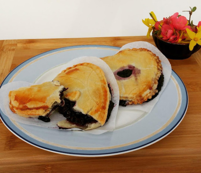 Old Fashioned Blueberry Hand Pies