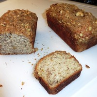 Banana Bread with Streusel Nut Topping