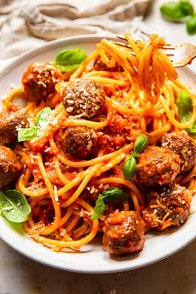 Bucatini all'Amatriciana and Meatballs